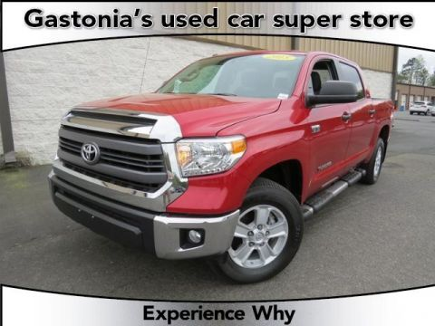 Certified Pre-Owned 2015 Toyota Tundra DLX 4D CrewMax