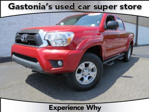 Certified Pre-Owned 2015 Toyota Tacoma  Double Cab Pickup