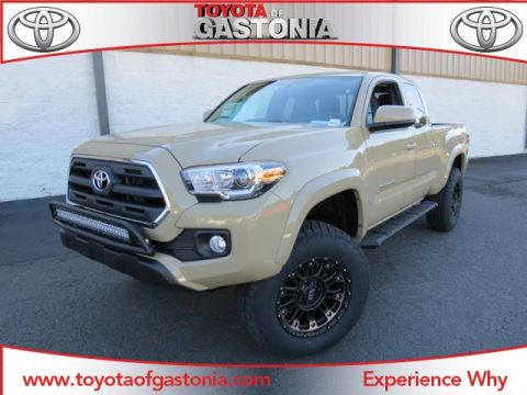 New 2017 Toyota Tacoma SR5 Extended Cab Pickup