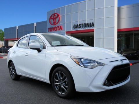 New 2019 Toyota Yaris Sedan 4-Door L Auto